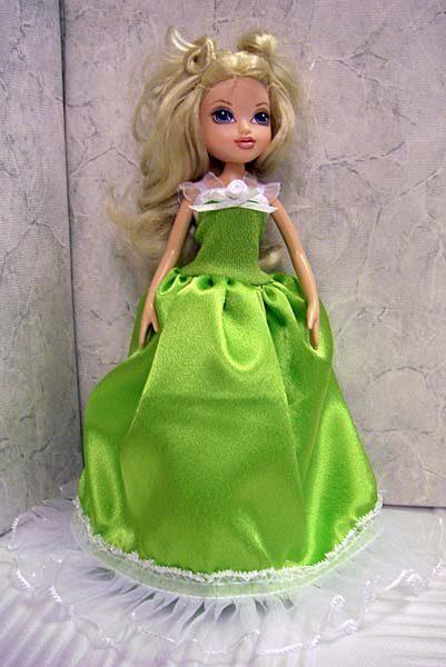 Пышное бальное платье.  Без застежки.  Подходит на кукол 27 см и на...