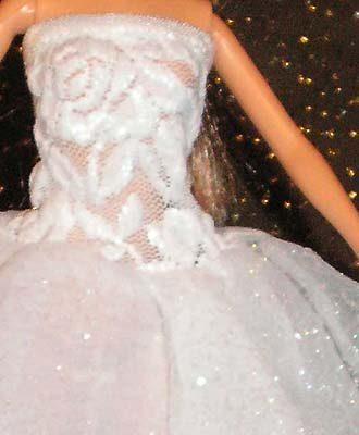 Пышное белое платье.  Верхняя юбка-солнце из жатого капрона с...